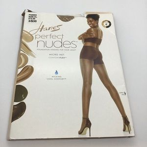 Hanes Nudes Micro Net Comfort Flex Hose